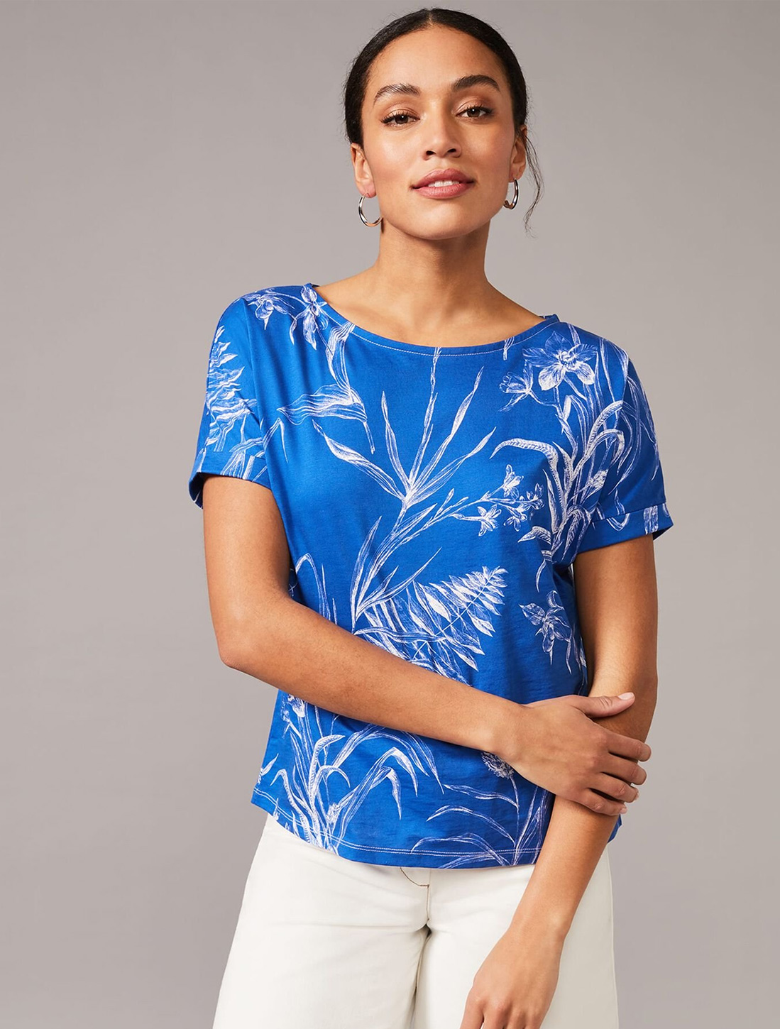 LADIES  SUMMER TOP  SIZE 14-20..NEW